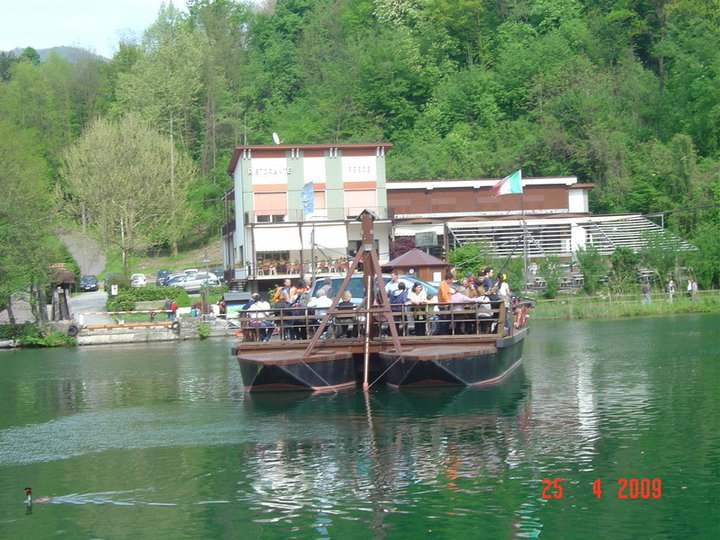 Traghetto ecologico , ecological ferry