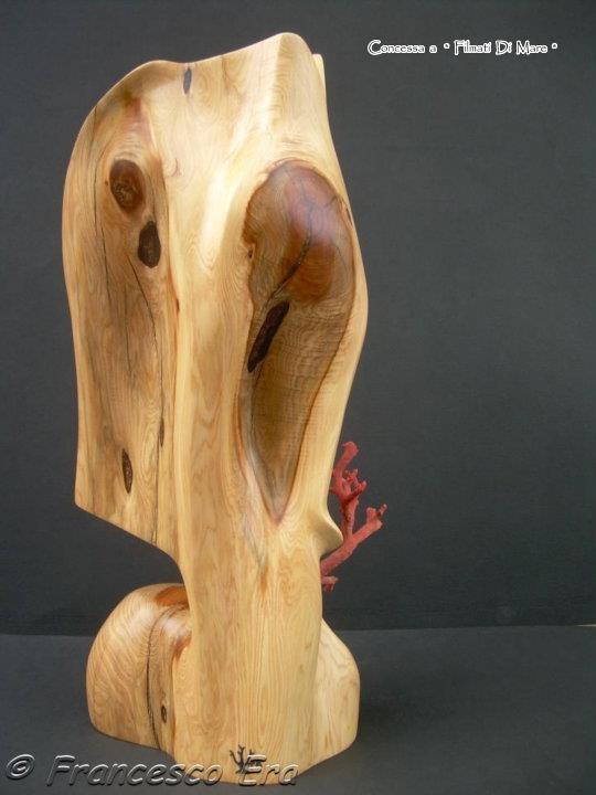 Corallo- Scultura in corallo e legno - Realizzazione di Francesco Era