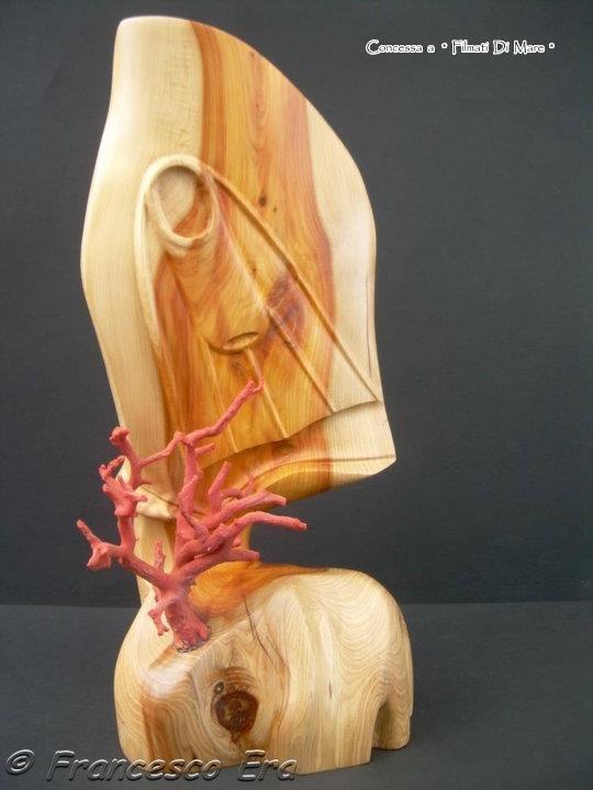 """Corallo - Realizzazione di Francesco Era -""""Bucher"""" Scultura in corallo e legno"""