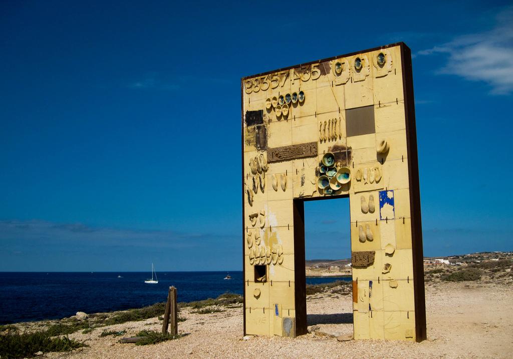 Lampedusa la vergogna e l 39 orrore migranti - B b porta di mare ...