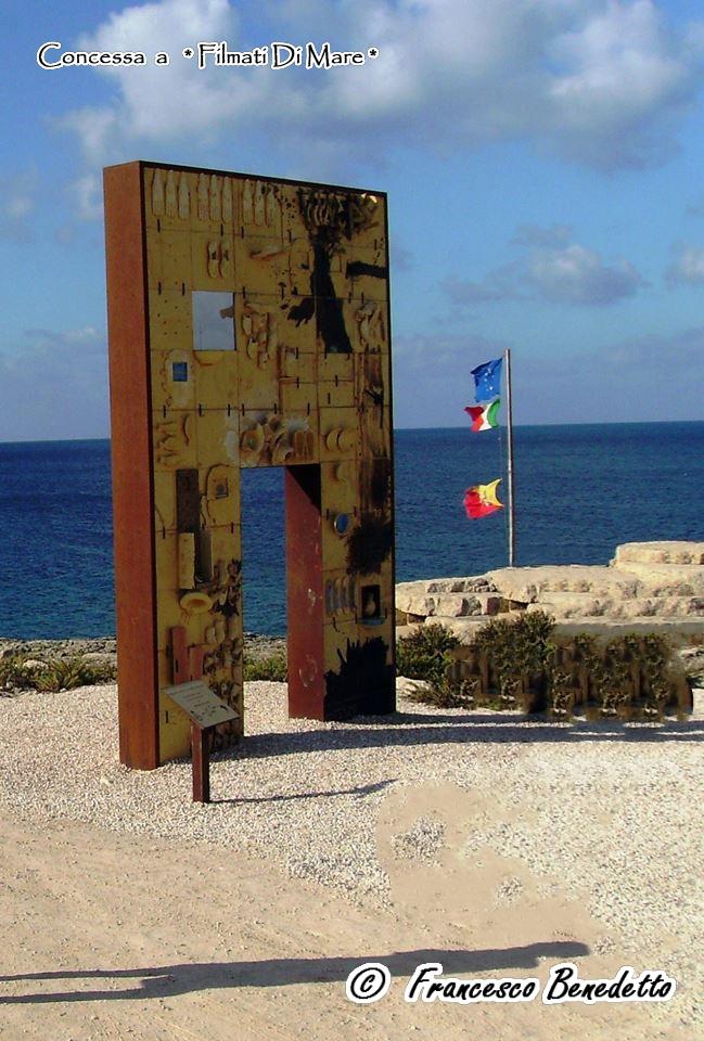 Porta di Lampedusa - Porta d'Europa (vista da rerra)