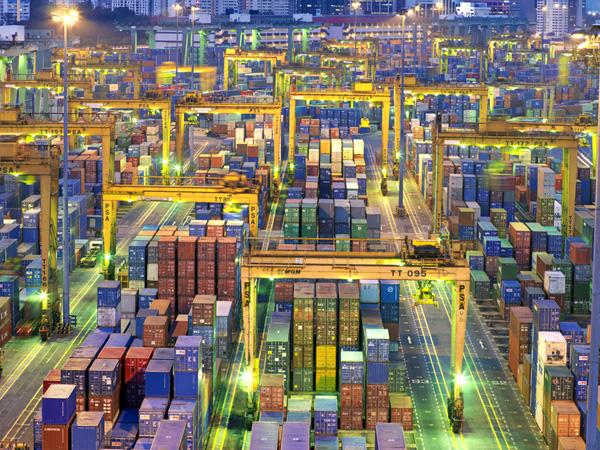 Racconti di mare nave in avaria - Porto di Singapore